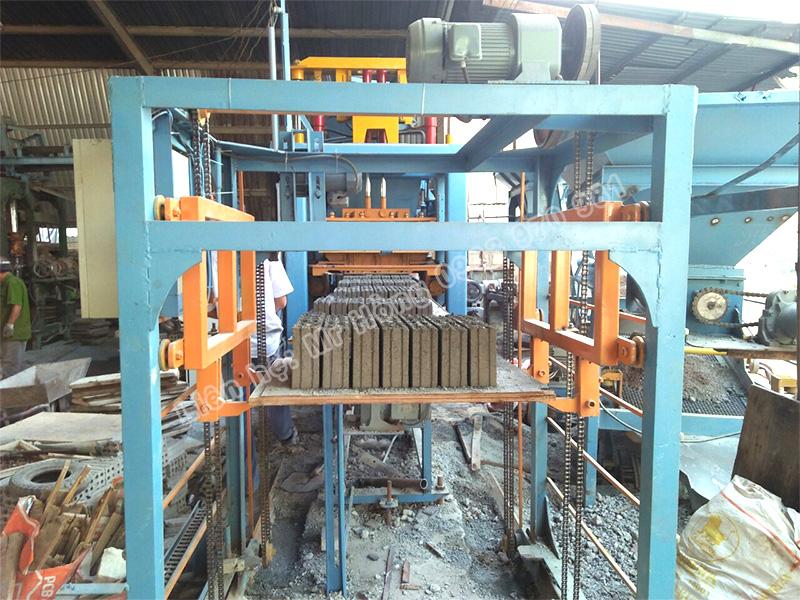 Máy sản xuất gạch